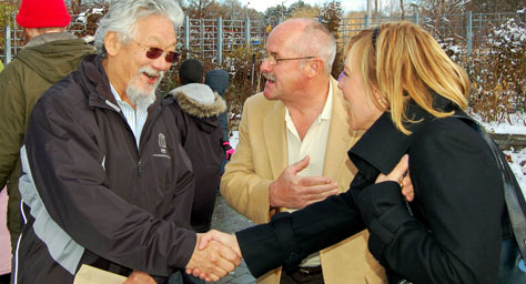 Melanie meeting David Suzuki, after getting a national award from David